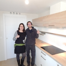 """Mª Carmen y Enrique en su nueva cocina • <a style=""""font-size:0.8em;"""" href=""""http://www.flickr.com/photos/69591030@N06/25155097375/"""" target=""""_blank"""">View on Flickr</a>"""