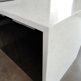 """encimera silestone a inglete • <a style=""""font-size:0.8em;"""" href=""""http://www.flickr.com/photos/69591030@N06/8598877724/"""" target=""""_blank"""">View on Flickr</a>"""