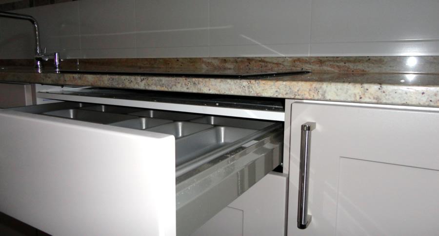 Instalar correctamente la vitro de inducci n - Instalar un lavavajillas al fregadero ...