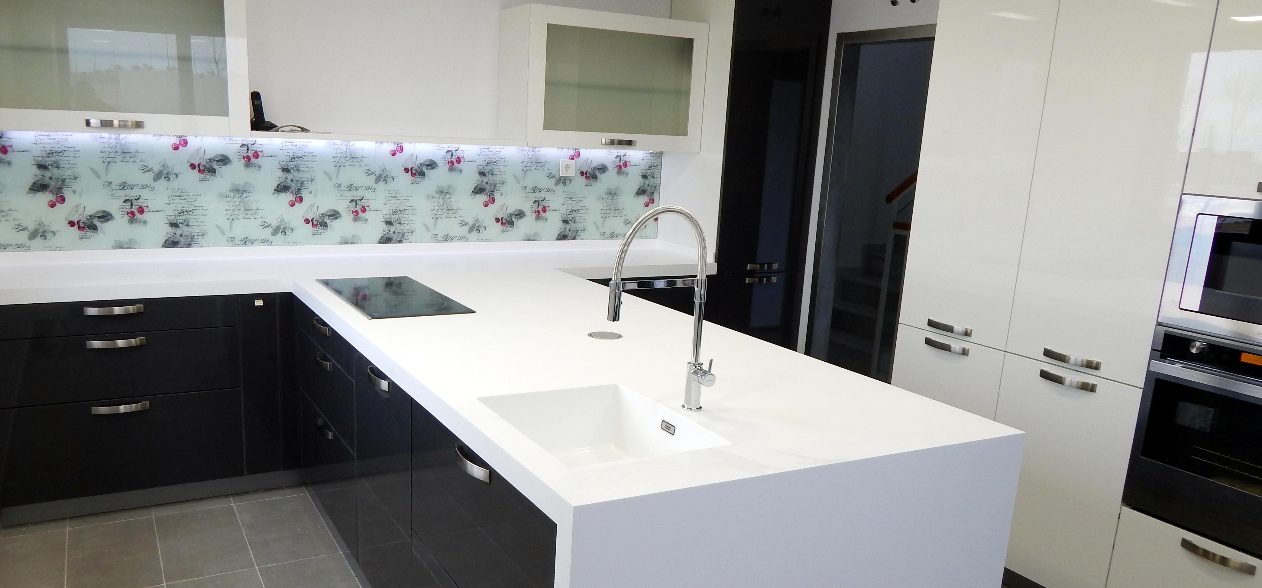 Muebles de cocina modelo 3020 y encimera acrílica - cocinasalemanas.com