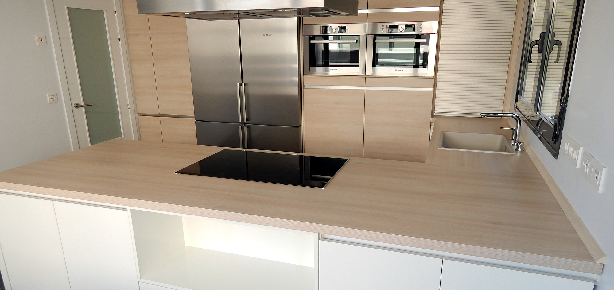 Muebles de cocina blanco alto brillo for Mueble encimera cocina