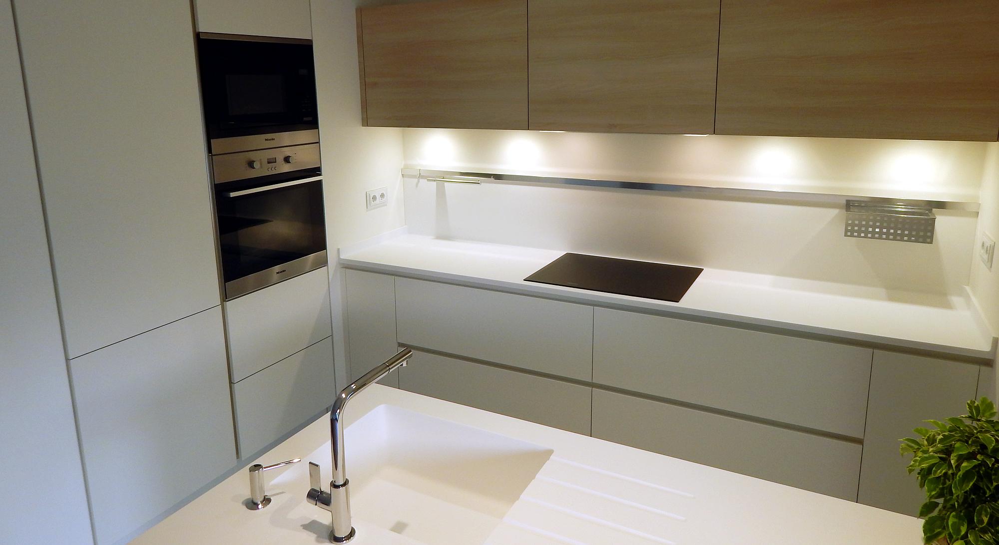 Modelos de muebles de cocina blancos ideas Muebles de cocina xey modelo alpina
