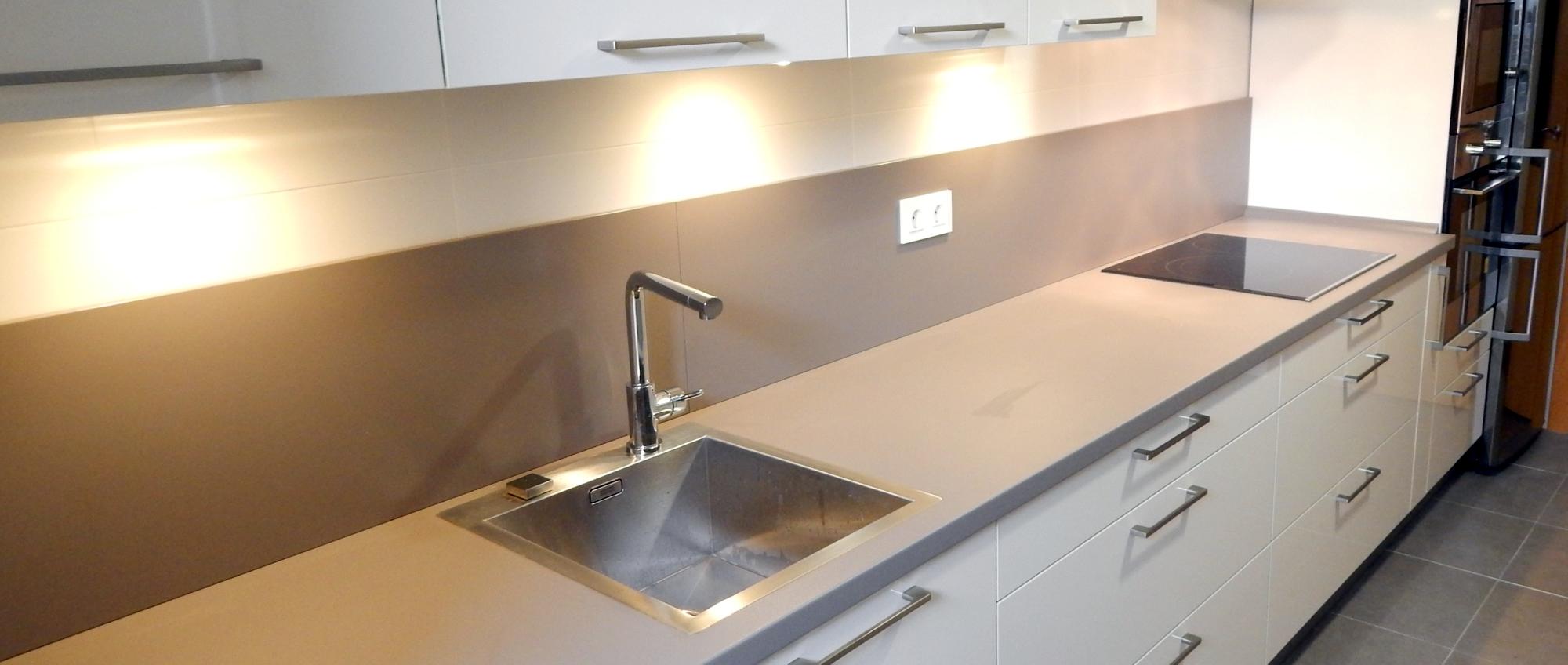 Muebles de cocina magnolia alto brillo for Muebles de cocina y encimeras