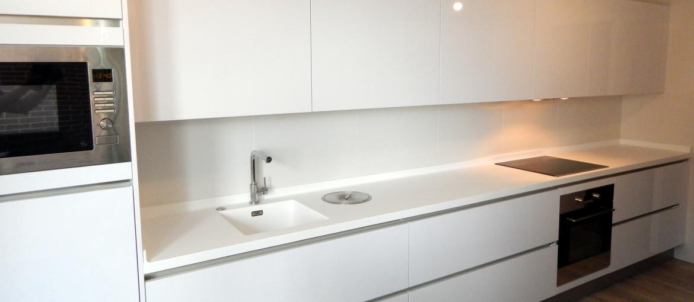 Muebles de cocina dise o en blanco for Muebles de cocina nasa
