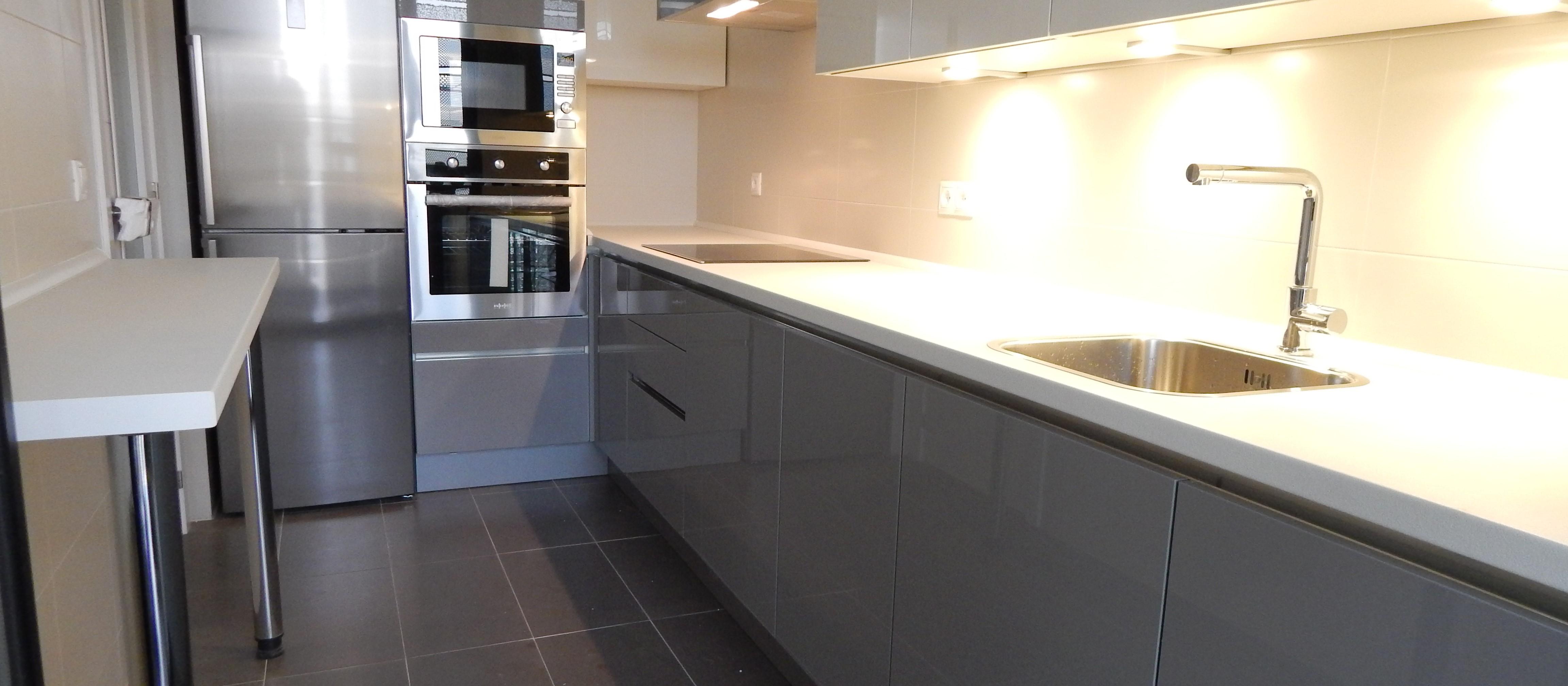muebles de cocina gris perla sin tirador