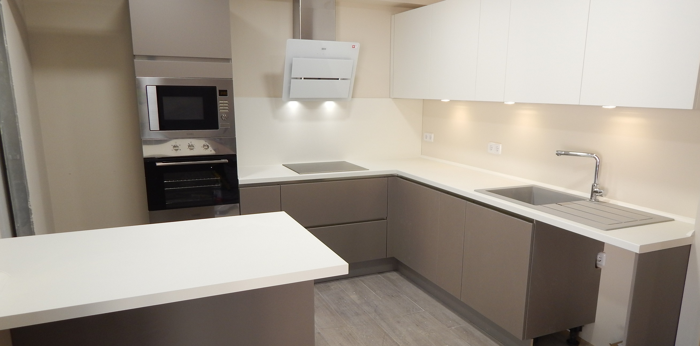Muebles De Cocina En Color Blanco. Interesting Muebles Cocina ...
