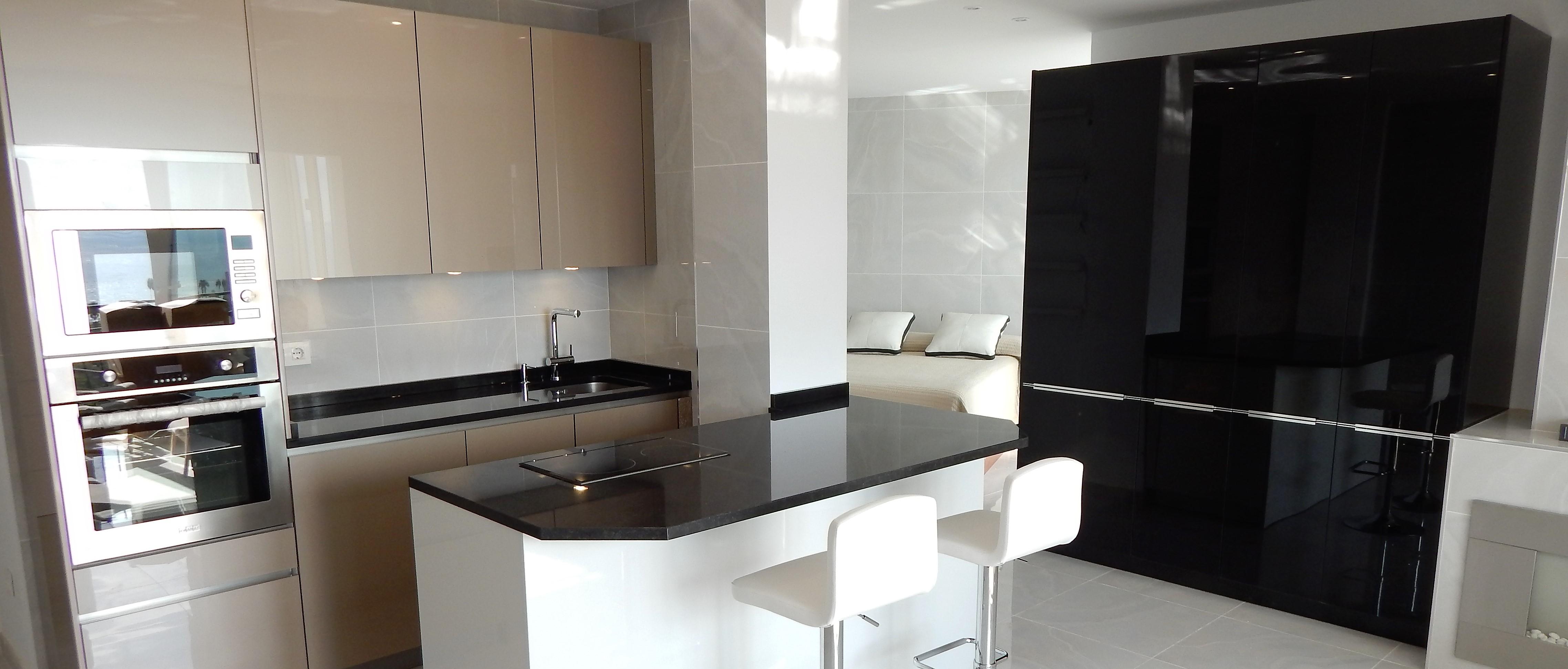 Muebles de cocina de cristal for Muebles de cristal