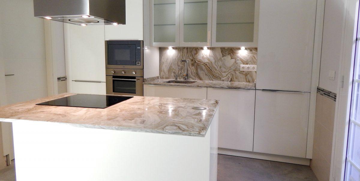 Muebles de cocina con frentes de cristal - Frentes de cocina de cristal ...