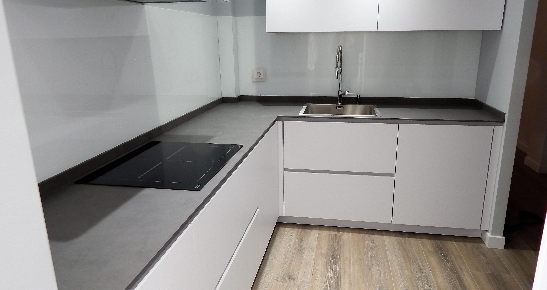 Muebles de cocina modelo 6000 laca mate for Modelos de muebles