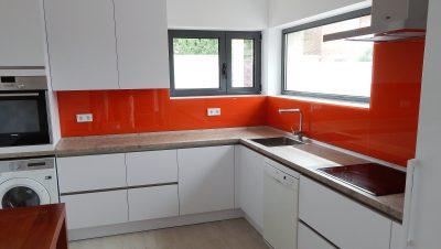 blanco polar y cristal naranja